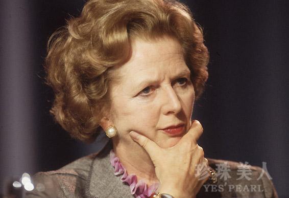 玛格丽特・撒切尔夫人佩戴马贝珍珠耳环